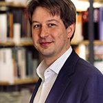 Dr. Julian Junk